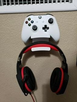 Xbox One Controller and Headphone Wall Mount